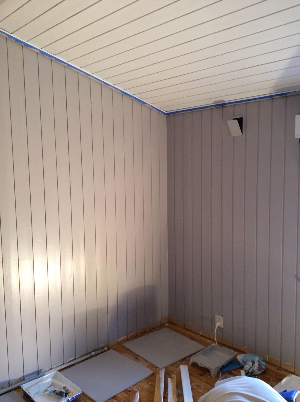 2 strøk med green room interiørmaling farge ( sement ) halvblank 15