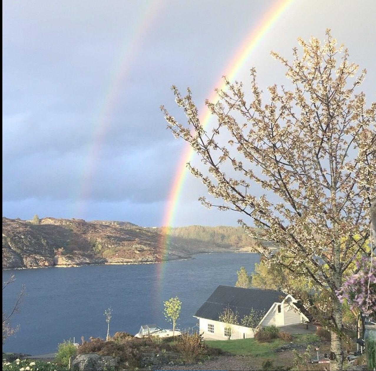 Vakkert med 2 regnbuer