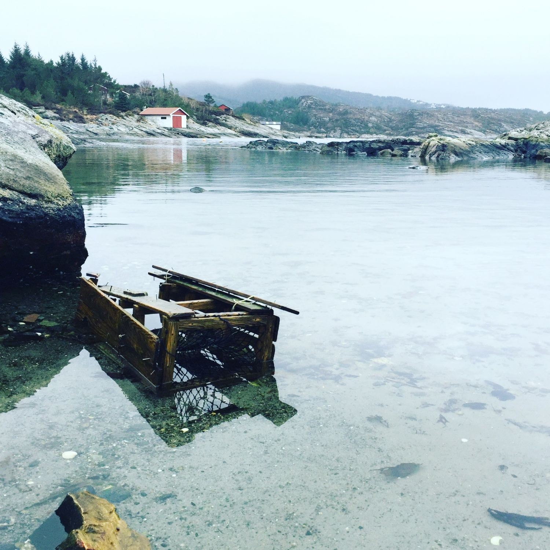Fra campingplassen i Håkonsund ( en gml krabbeteine)